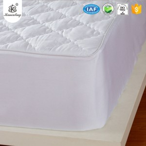 Hot New Products  New Printed Cotton Comforter Bed Sheet Set Bedding Sets Waterproof mattress protector with polyester filling waterproof mattress pad factory